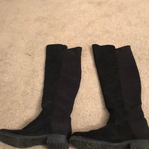 Lightly worn black Unisa boots